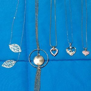 Jewelry - 🌸Assorted Necklaces🌸